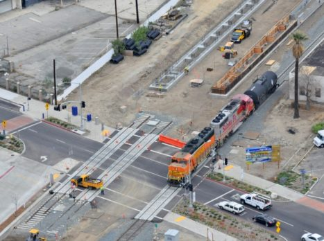 BNSF_Train_Crossing_Azusa_Ave_on_Relocated_Freight_Track_(Small)