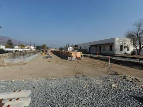 Downtown_Azusa_Station_Platform_Construction_(Small)