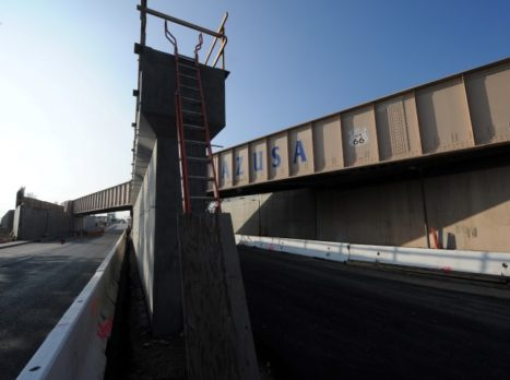 Foothill_Blvd_Bridges_-_Construction_(Small)