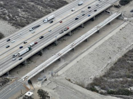 San_Gabriel_River_Bridge_(2)_-_aerial_(Small)