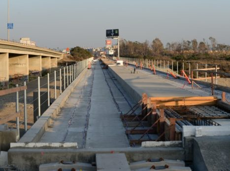 San_Gabriel_River_Bridge_Deck_-_Irwindale_(Small)